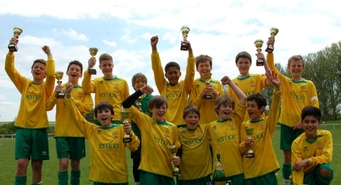 Hitchin Town FC Hawks U14s banner image 2