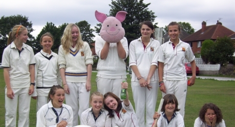 Holme Valley Girls Cricket Club banner image 1