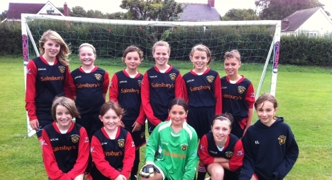 Dursley Town Girls AFC banner image 5