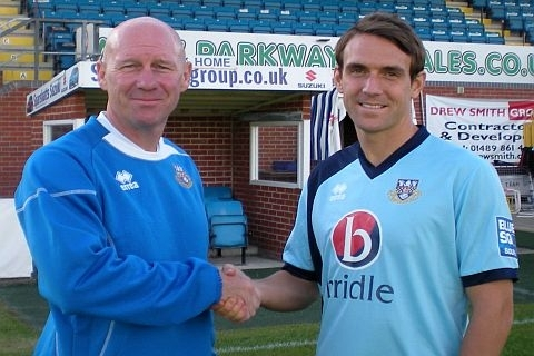 International Defender Joins Eastleigh
