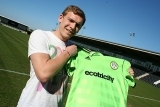 Forest Green Sign Top Striker   