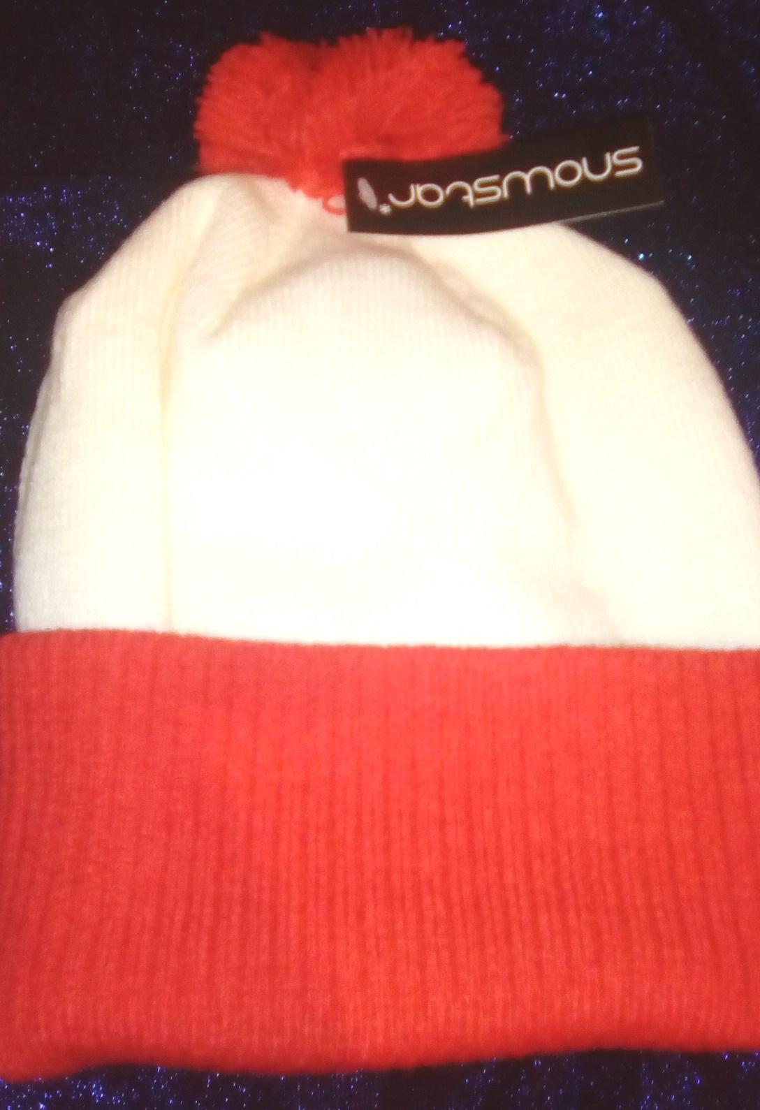 Image: K's pom-pom hat - snowy