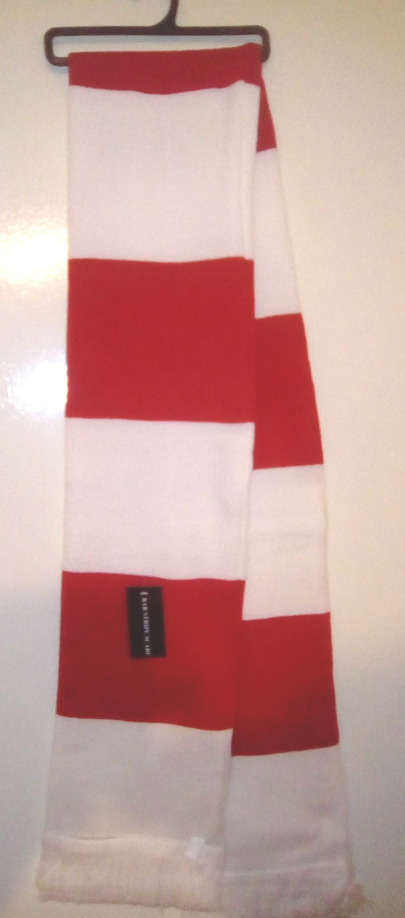 Image: Plain Red and White Scarf