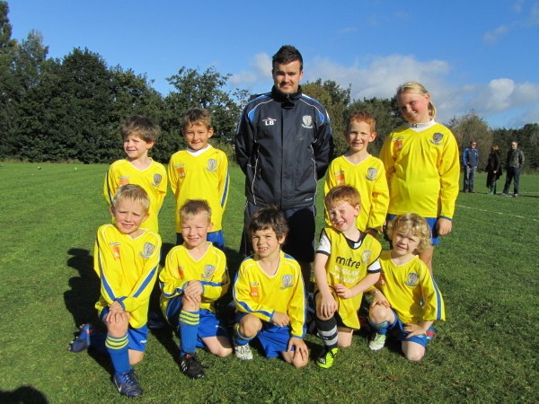 The cubs train every Saturday Thornes Park College 09:45 - 10:45