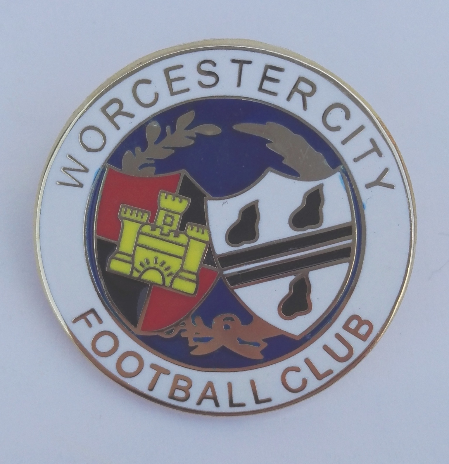 Image: Worcester City Crest Pin Badge