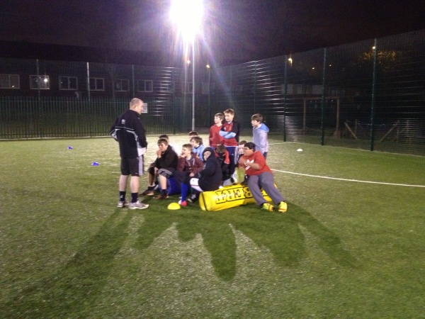 Thursdays 7pm Til 8pm At Broadfield School 3G Pitch