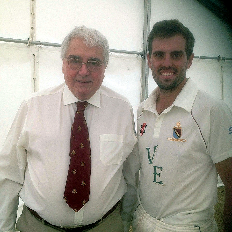 George Hutton the first @BexleyCC @CricketScotland International, who opened the bowling from 1968 thorough the 70's and @calummacleod640 , Bexley's third Scotland International player who joined the club in 2018. Photo/info courtesy of Ladders.